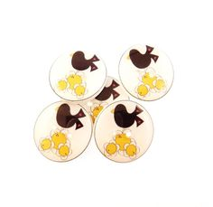 5 Primitive Crow and Yellow Flower Buttons. 3/4 by buttonsbyrobin, $9.99