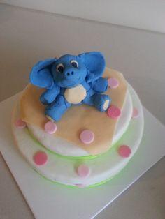 Kids birthday cake - Elephant cake topper