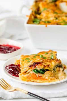 DIY Thanksgiving Leftovers Lasagna Recipe - with turkey, sweet potato and cranberry sauce!!