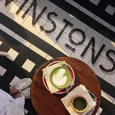 After hunting my survival kit, Matcha is very needed before the upcoming adventure #byehongkong #bebacksoon #whowillmissalice #matcha #latte #matchatart #greentealover #winstoncoffee @winstonscoffee