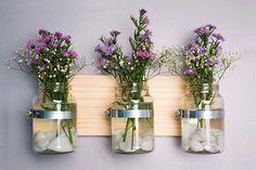 Use os vidros de conserva que você quer descartar e monte uma linda prateleira DIY!