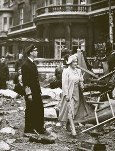 George VI and Queen Elizabeth (Queen Mother). London History, British History, World History, The Blitz, Battle Of Britain, Queen Mother, British Monarchy, Old London, King George