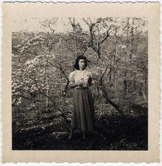 1940s springtime loveliness. #vintage #1940s #women