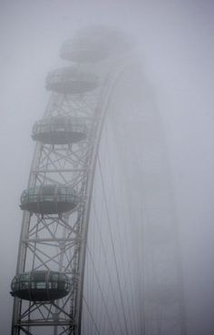 London Eye in the fog.  it's such a beautiful place....we loved it!!!