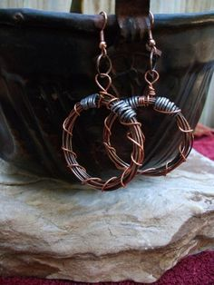 Recycled copper & aluminum wire earrings. http://www.artfire.com/ext/shop/product_view/PigeonCreekSoaps/5826732/recycled_copper_and_aluminum_wire_earrings/handmade/jewelry/earrings/wire_wrapped