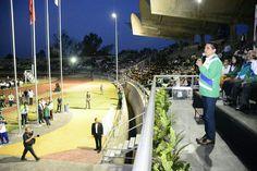Con un llamado a jugar limpio y fomentar los valores de solidaridad, lealtad y compañerismo, la noche de este jueves el gobernador de Michoacán inauguró la XXI edición del Encuentro ...