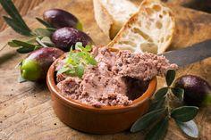Terrine de canard aux 5 épices, foie gras et figues Recette en vidéo de L'atelier des Chefs