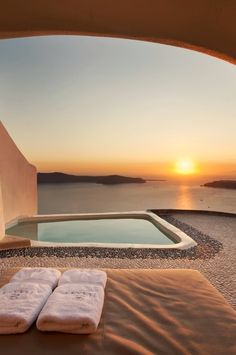 Sunset watching in Santorini.- Sunset watching in Santorini. Imerovigli, Griechenland / … Sunset watching in Santorini. Piscina Hotel, Destination Voyage, Beautiful Places To Travel, Amazing Places, Travel Aesthetic, Luxury Travel, Luxury Hotels, Dream Vacations, Vacation Trips