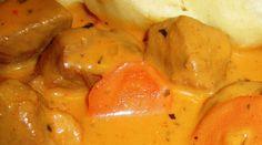 Vepřovou plec nakrájíme na silnější plátky a následně na kostičky. Do hrnce nalijeme tři lžíce olivového oleje a silnější plátek másla. Po ... Potatoes, Stuffed Peppers, Vegetables, Food, Potato, Stuffed Pepper, Essen, Vegetable Recipes, Meals