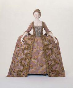 Woman's court dress and petticoat (Robe a la Francaise) | Museum of Fine Arts, Boston 1775
