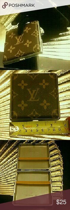 Cigarette case or holder. Stunning brand new case with excellent details on it. Excellent quality and sophisticated look! This is a great quality item! This is for regular size cigarettes. Accessories