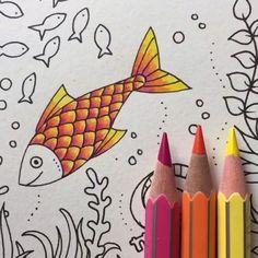 VÍDEO de hoje!! Entrando no clima do Oceano Perdido... Estou AMANDO usar os lápis de cor da Giotto (os do vídeo são os normais) eles são super macios, a pigmentação é incrível! Eles chegaram no nosso site! www.jardimsecretoinspire.com.br ⬅️ Usei as cores ROSA➕LARANJA➕AMARELO  Adorei a combinação dessas cores nas escamas! ☺️✨ O que acharam? You Gotta Be ------------------------------------------------------------ #⃣ Use #jardimsecretoinspire para que seu colorido seja compartilhado ...