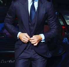 Expensive Suits, Global Style, Well Dressed Men, Gentleman Style, Mens Suits, Gq, Cool Style, Style Men, Nice Dresses