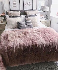 45 Cozy Teen Girl Bedroom Design Trends for 2019 - Page 38 of 45 Cozy bedroom; Stylish Bedroom, Cozy Bedroom, Bedroom Decor, Bedroom Inspo, Magical Bedroom, Bedroom Retreat, Bedroom Plants, Bedroom Small, Bedroom Loft