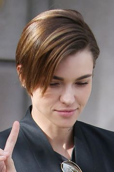 Ruby Rose Straight Medium Brown All-Over Highlights, Choppy Layers Hairstyle | Steal Her Style