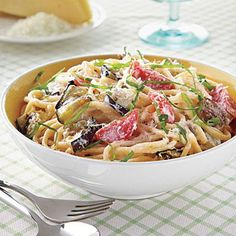 Vegetarian recipes: Spaghetti with Eggplant, Ricotta and Tomatoes