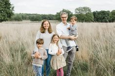 Little Kin Photography, www.littlekin.co.uk  Natural light baby and family photographer, London and Guildford Surrey