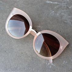 quay - dream of me matte cat-eye sunglasses - beige - shophearts - 1