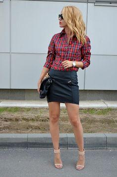 Shop this look on Kaleidoscope (skirt, shirt, sandals)  http://kalei.do/X4VodMlUF4pdUxVM