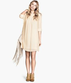 H&M fairy dress in an airy, woven fabric with 3/4-length sleeves #appleshape #fashionbyshape #h&m