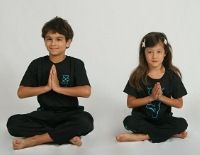 How Parents Can Connect to Children Through Yoga