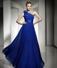 long dresses, evening dresses, party dresses, eye colors, blue