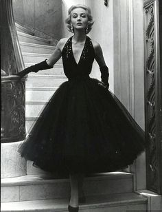 Ciao Bellísima - Vintage Glam; Model wearing Traina-Norell; Photo by Nina Leen, 1951