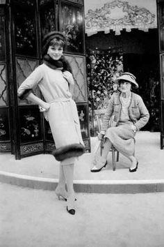 Elle1958,Coco Chanel in Paris with model