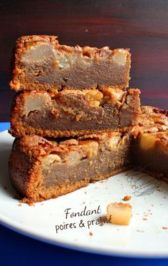 fondant poires et praline – Life ideas Köstliche Desserts, Sweet Desserts, Sweet Recipes, Delicious Desserts, Cake Recipes, Dessert Recipes, Yummy Food, French Recipes, Healthy Cake