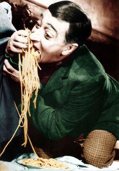 Totò: chi amava gli #spaghetti più di lui?