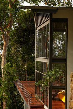 Prachtig huis dat uitkijkt over het bos in Maleisië Roomed   roomed.nl