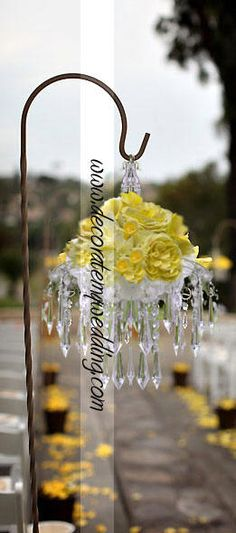 DECORATE MY WEDDING Crystal Aisle Decor - Crystal Diamond Pendant