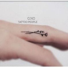 Tiny finger tattoos for girls; small tattoos for women; finger tattoos with meaning; Inside Finger Tattoos, Inner Finger Tattoo, Flower Finger Tattoos, Girl Finger Tattoos, Finger Tattoo For Women, Finger Tattoo Designs, Tattoos For Women Small, Small Tattoos, Diy Tattoo