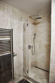 Kúpeľňa Vinohradis z travertínu ivory light nevyplneného matného 208a | Travert s.r.o.