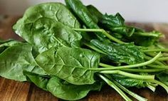 Simply Seasoned Korean Spinach Salad (Sigeumchi Namul) - It's lightly seasoned with salt, garlic and sesame oil. A great companion dish to Korean Bibimbap. Korean Spinach Salad Recipe, Spinach Salad Recipes, Vegetable Recipes, Vegan Gluten Free, Vegan Vegetarian, Korean Bibimbap, Korean Kitchen, Baby Spinach, Korean Food