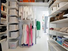 i want a walkin closet like this!!!! I n fact i might get lost in this one