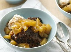 Slow Cooker Apple Gingerbread Pudding Cake....