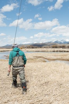 The @patagonia Nano-Air Insulated Hooded Jacket and the @simmsfishing G3 Guide Stockingfoot Wader are the perfect pairing for a solid day of fly fishing on Salt Creek, Wyoming.