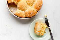No-Knead Sweet Potato Rolls Are the Easiest Way to Win Any Fall Potluck Round Cake Pans, Round Cakes, Croissants, Scones, Sweet Potato Rolls, Biscuits, Muffins, Pull Apart Bread, Instant Yeast