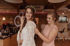 Bride Getting Ready on Wedding day in Upper Austria. #bride #austrianwedding #austriaweddingphotographer #austrianweddingphotography #weddingphotography #austrianphotographer #austria #gettingready #bridals #weddingphotos #hochzeitsfotografin #hochzeitsfotograf #hochzeitösterreich #hochzeitsfotografösterreich #weddingday #hochzeitstag #hochzeitsfotos #weddingmakeup #hochzeitsmakeup Girls Dresses, Flower Girl Dresses, Bride Getting Ready, Wedding Day, Wedding Dresses, Photography, Inspiration, Fashion, Marriage Anniversary