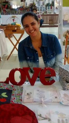 Lara e seu Love,apresentando um trabalho lindo!