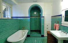1920s Los Angeles Art Deco bathroom. They were not afraid of bold color back then!
