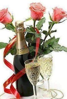 Happy Birthday Celebration, Happy Birthday Greetings, An Nou Fericit, Photo Art, Alcoholic Drinks, Birthdays, Card Making, Flowers, Facebook