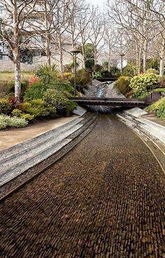 LANDSCAPE ARCHITECTURE it looks normal at a glance but this design is so beautiful.