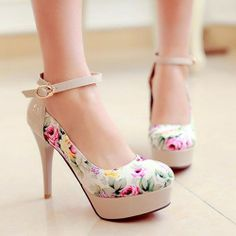 Stiletto Heels - HeelsFans.com