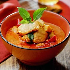 Red Curry Chicken - Thaiphoon - Zmenu, The Most Comprehensive Menu With Photos
