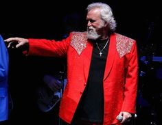 Our interview with T Graham Brown is up at http://hleradio.com under the interview tab @showtgbiz1 @DUANEALLEN pic.twitter.com/21SIQ2iQCg