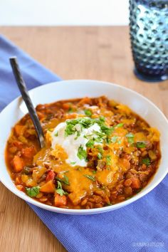 Slimming Eats Sweet Potato, Vegetable and Lentil Chilli - gluten free, dairy free, vegetarian, Slimming World (SP) and Weight Watchers friendly Vegan Slimming World, Slimming Eats, Slimming World Recipes, Slimming World Vegetable Curry, Potato Vegetable, Vegetable Dishes, Clean Eating Diet, Healthy Eating, Veggie Recipes