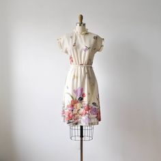 vintage 1970s cream floral dress by RockAndRollVintage, $54.00