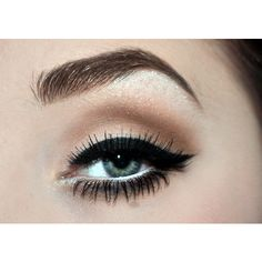 Perfect contoured eye... pair this with red lips and you are good to go!